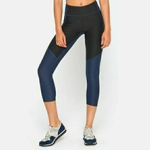 Outdoor Voices 3/4 Two Tone Leggings Navy Blue SZ Small